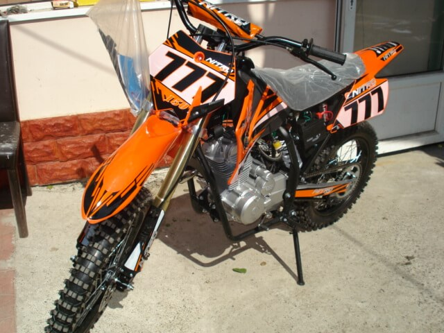 CROSS Dirt Bike 200 cc